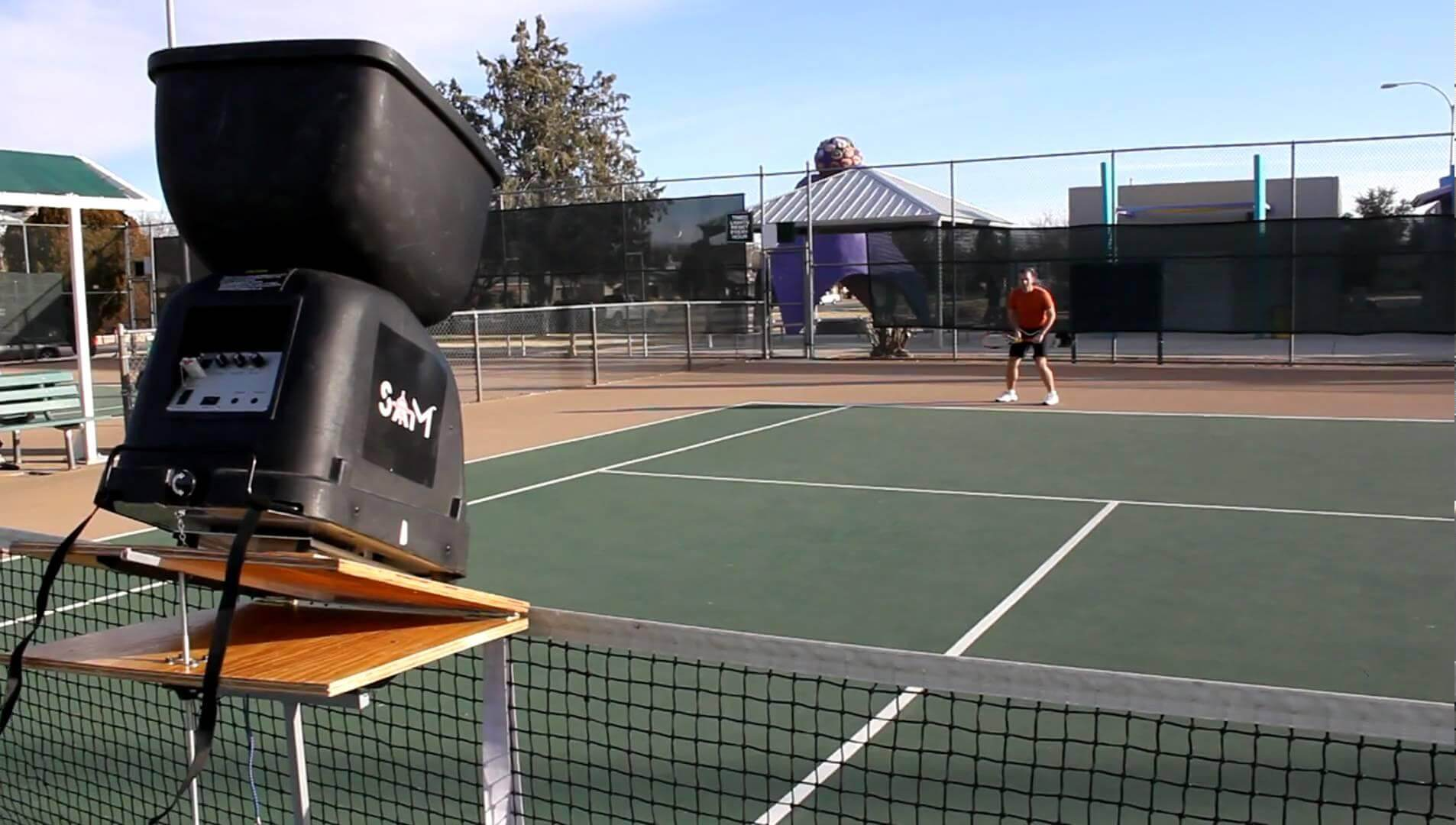 Tips To Consider When Buying A Tennis Ball Machine